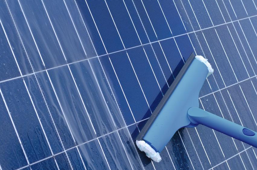 nettoyage du panneau solaire